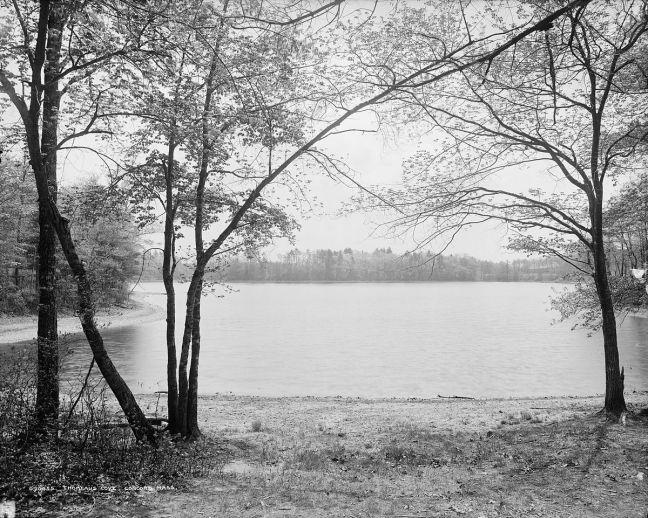 1200px-walden_pond
