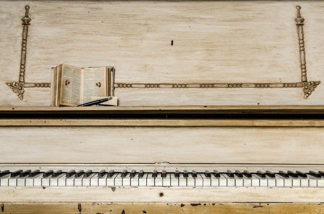 piano-1245645_1920 copy.jpg